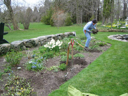 Gail making a move in the North Garden 4-25-07