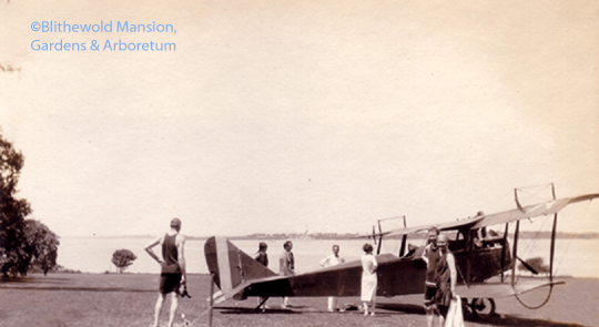 biplane landed on the Great Lawn