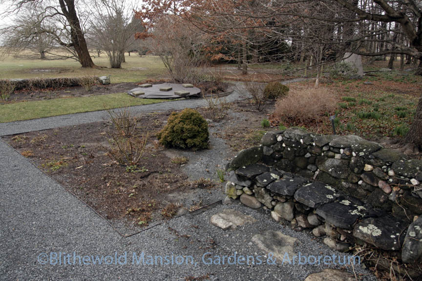 A river of gravel through a North Garden bed