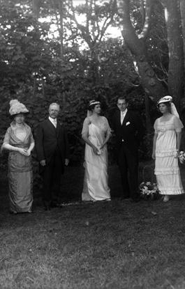l-r Bessie and William McKee, Marjorie and George Lyon, and Augustine Van Wickle