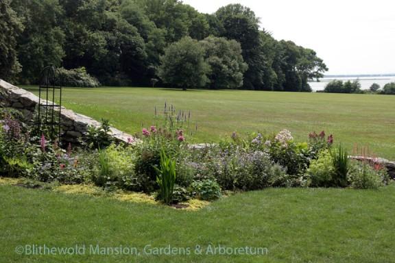 North Garden horseshoe and corner