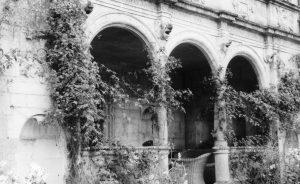 Cranborne Manor Loggia