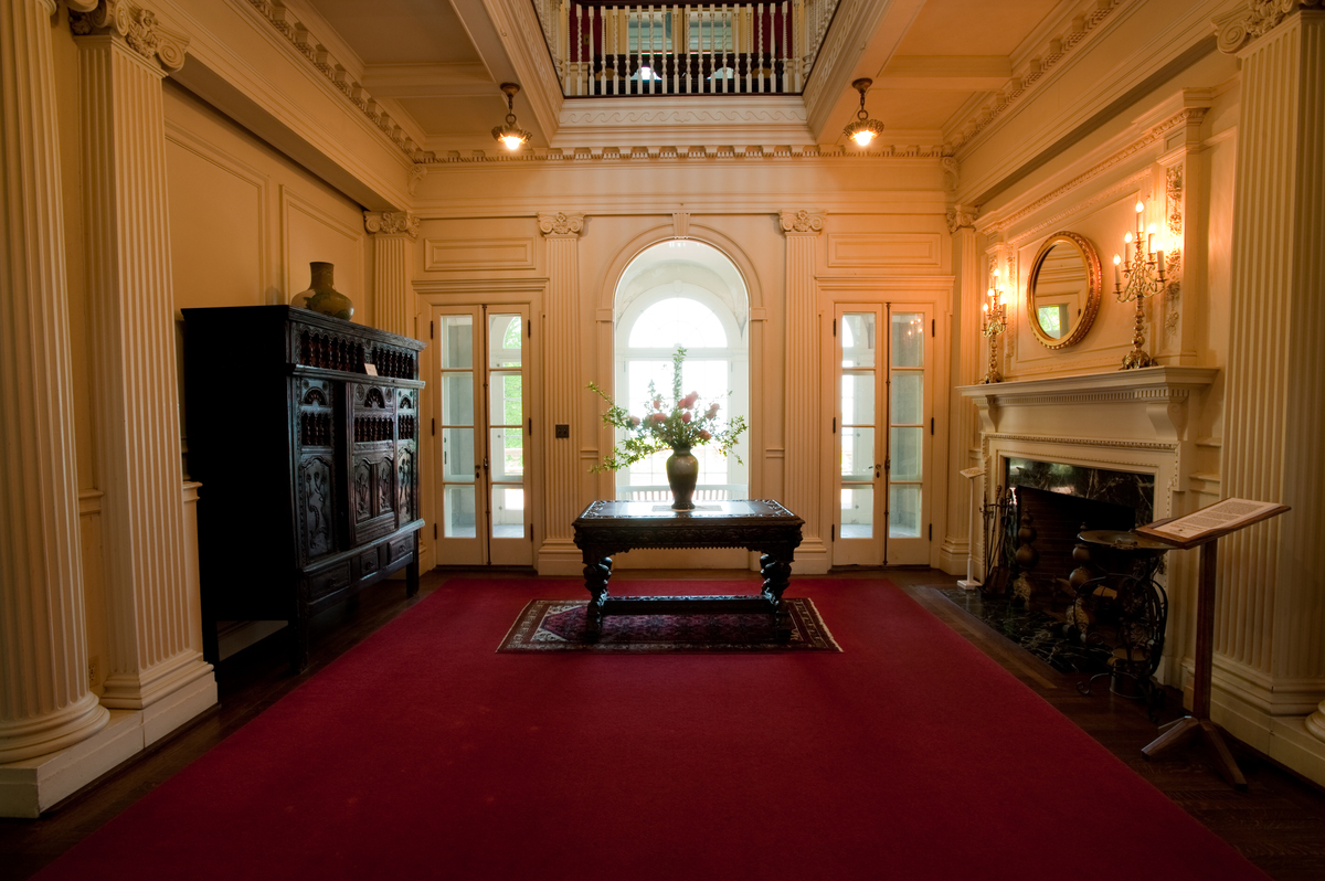 Inside the Mansion Gallery - Blithewold